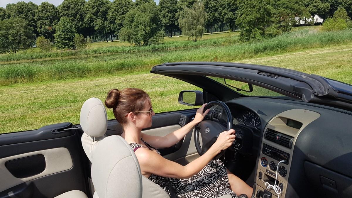 driving woman.jpg!d