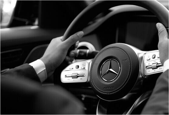 Buchen Sie einen sicheren und zuverlässigen Flughafen in Lyon nach Meribel und erkunden Sie ihn in einer Mercedes Business-Limousine