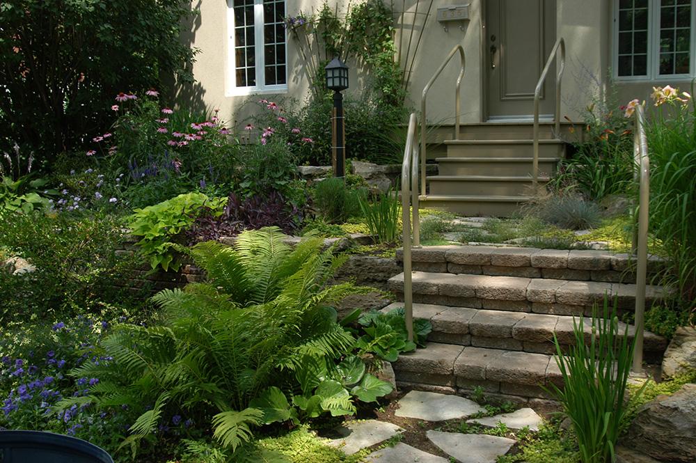 img-un-jardin-luxuriant.jpg