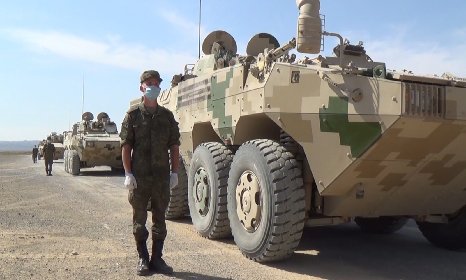Russian troops learn how to drive and use weapons on a medium wheeled tank and an armored vehicle of the PLA in preparation for Zapad/Interaction-2021 exercise in Northwest China's Ningxia Hui Autonomous Region in August. Photo: Screenshot from the website of Russia's Defense Ministry