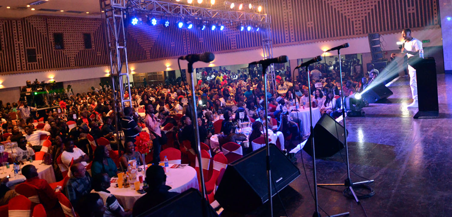 Funnybone and the mammoth crowd.jpg