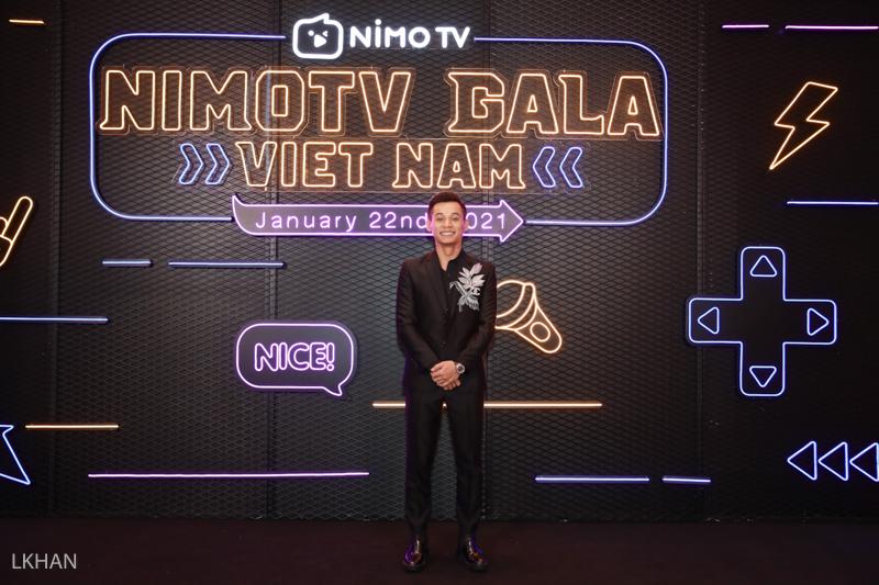 Độ Mixi xúc động cảm ơn người hâm mộ tại đêm Gala Nimo TV - Ảnh 1.