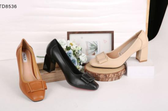 Nhu cầu mua giày dép hiện nay trên thị trường gia tăng chóng mặt