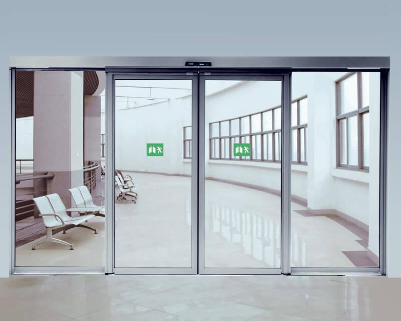 Cửa kính tự động mang đến không gian thoáng đãng trong lành của các bệnh viện