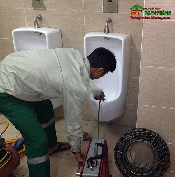 thông bồn cầu tại quận Tân Bình chuyên nghiệp BT homecare