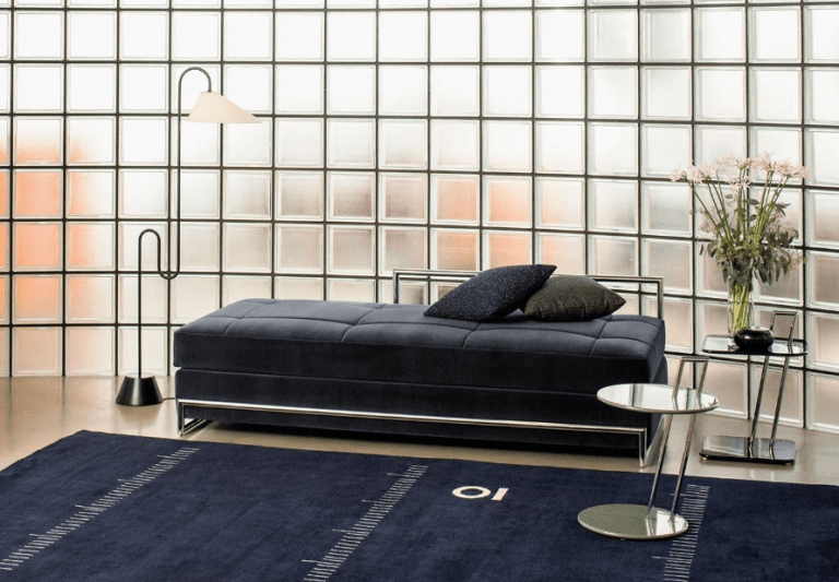 the black Eileen Gray daybed couch