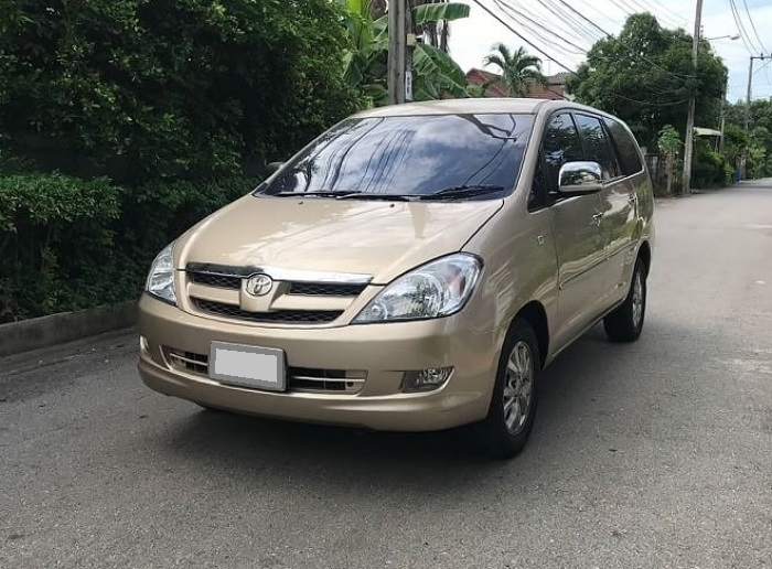 Toyota Innova โฉมแรกรุ่นเกียร์ออโต้มีราคาอยู่ที่ 250,000 บาท ขึ้นไป