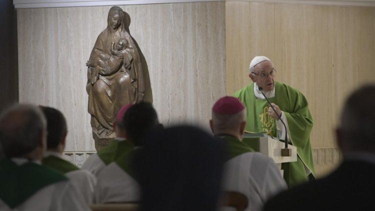 Đức Thánh Cha dâng Lễ: Làm chứng, kêu ca, đặt câu hỏi