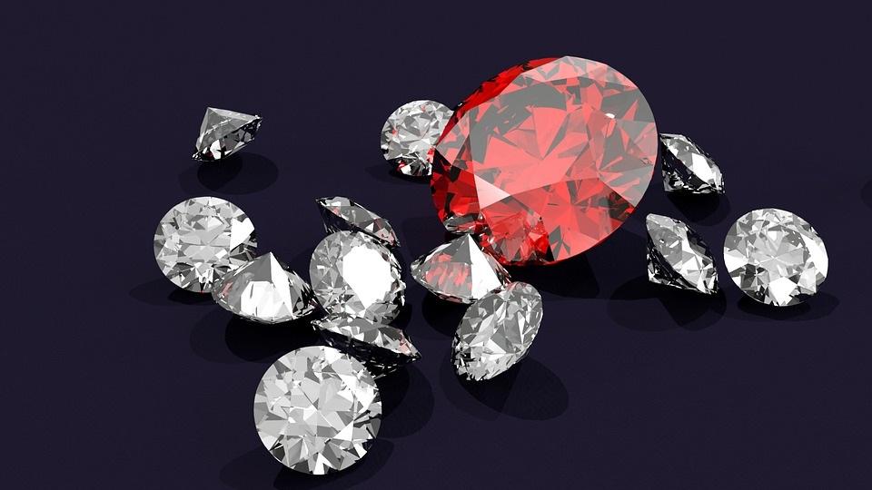 diamantes hechos en un laboratorio