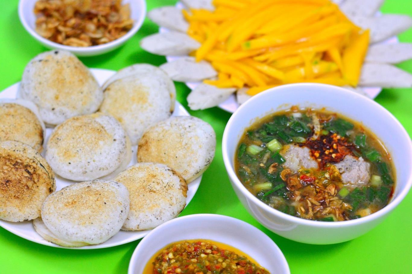 https://www.chudu24.com/wp-content/uploads/2018/02/3-mon-an-Phan-Thiet-ma-ban-khong-the-bo-lo-8.jpg