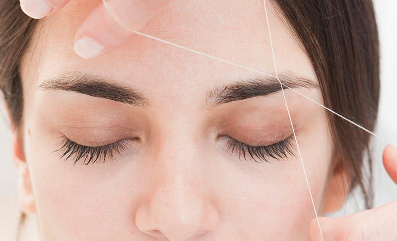 Тридинг или удаление волос ниткой - коррекция бровей ниткой. Lash Moda