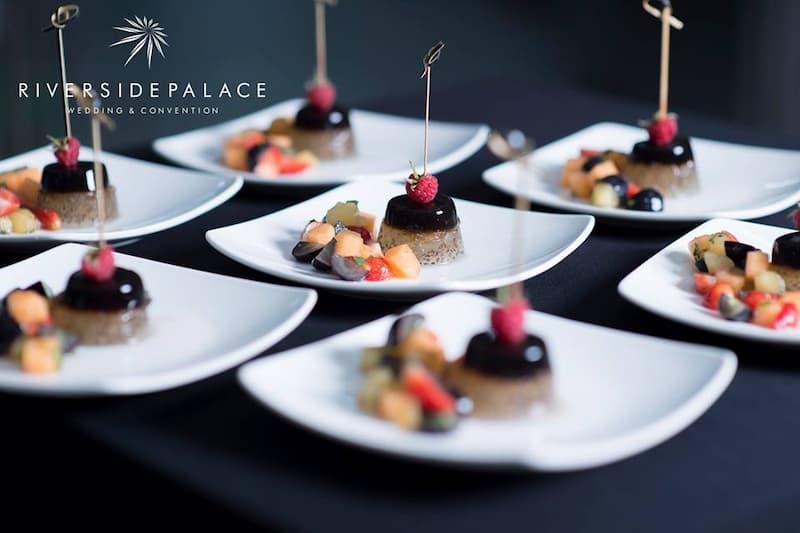 Món tráng miệng trong thực đơn tiệc cưới tại nhà hàng Riverside Palace