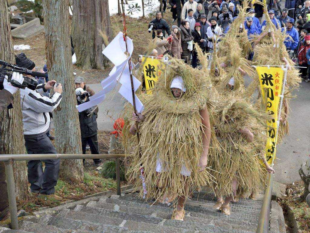 Lễ hội Yonekawa Mizukaburi kỳ lạ