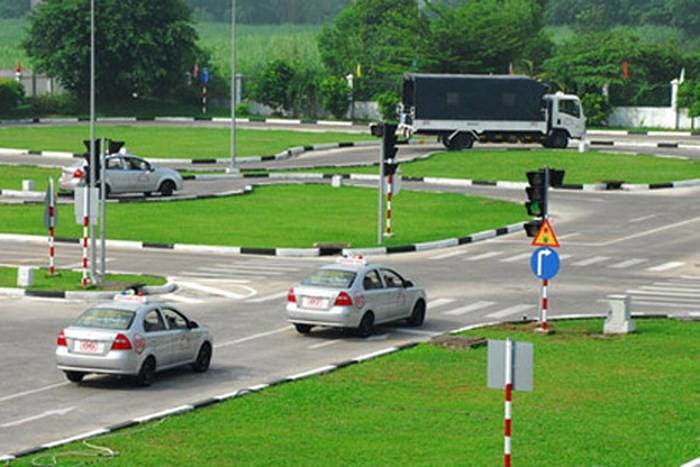Hồ sơ thi bằng lái xe b2 cần những gì?