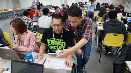 BOS巴菲特線上學院評價-有志工會首把手帶學生使用免費網站