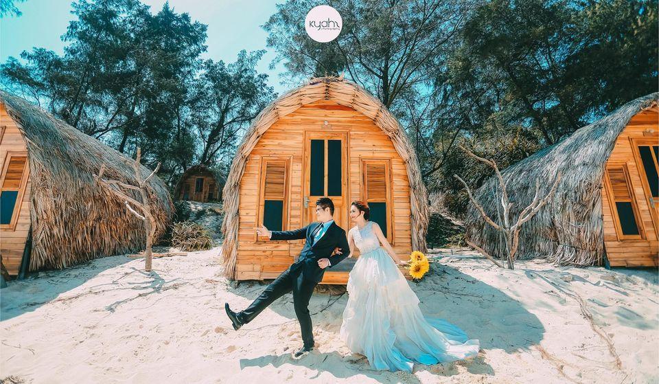 chụp ảnh cưới tại bãi Hồng Vàn