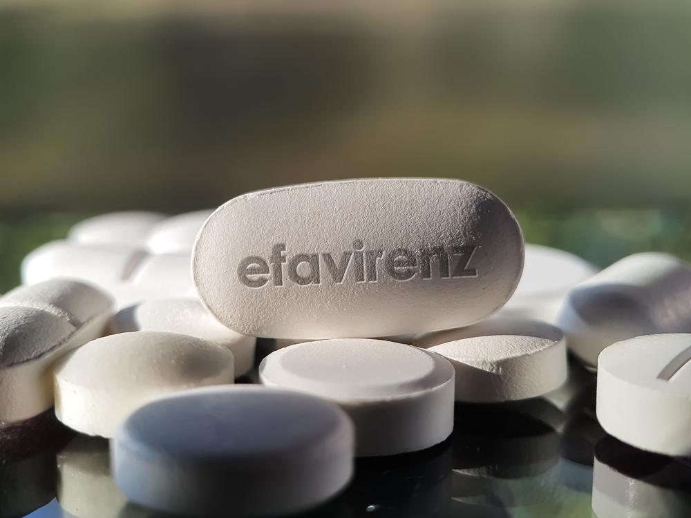 O retroviral Efavirenz já sofreu quebra de patente no Brasil há 15 anos. (Fonte: Shutterstock)