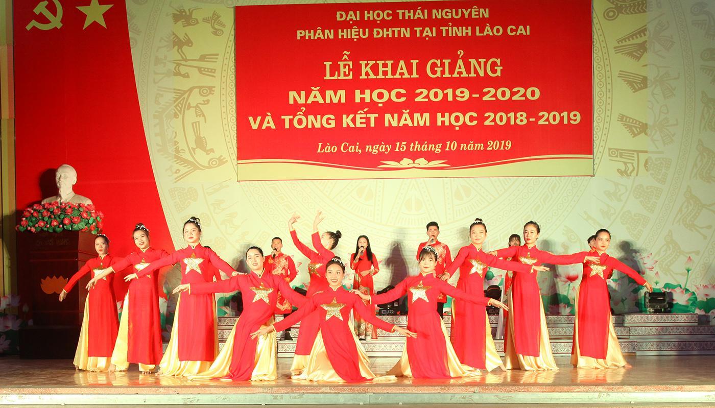 Phân hiệu Đại học Thái Nguyên tại tỉnh Lào Cai long trọng tổ chức Lễ Khai giảng năm học 2019 - 2020 và Tổng kết năm học 2018 - 2019
