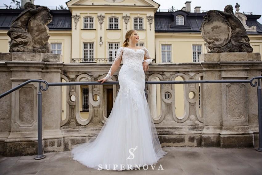 Весільна сукня з довгими рукавами для повних
