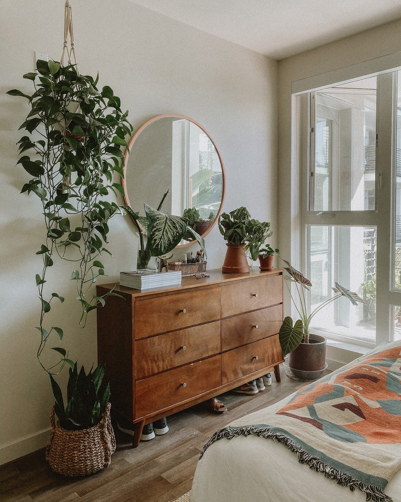 5 Easy Ways of Updating Your Bedroom (Without Breaking the Bank) - Sigrid & Co.