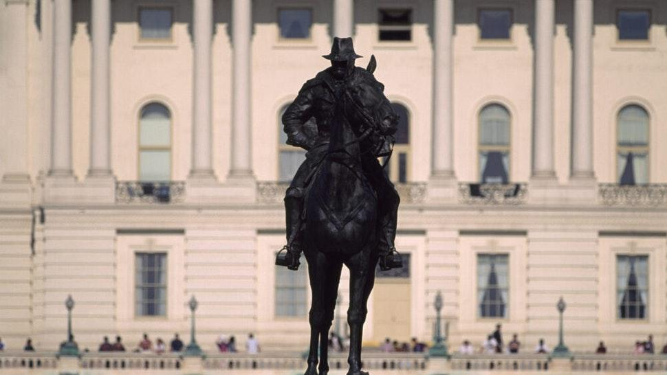 Ulysses S. Grant in front of U.S. Capitol