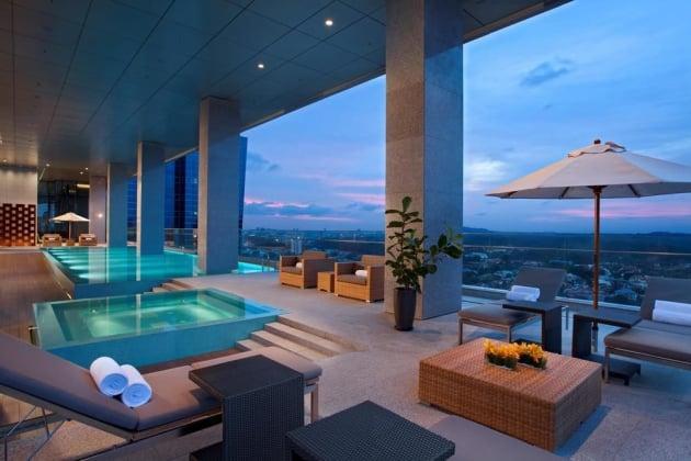 2) Oasia Hotel Novena.jpg