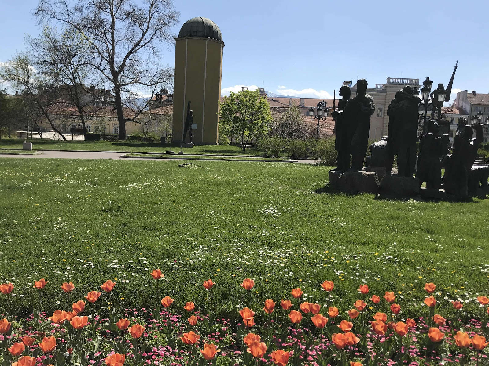 Tulips in front of  Holy Synod of the monument of the Bulgarian volunteers
