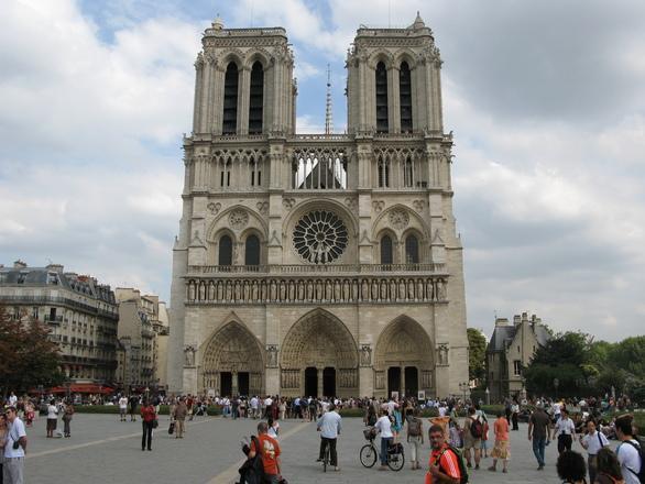 notre-dame-paris-1-1210160.jpg