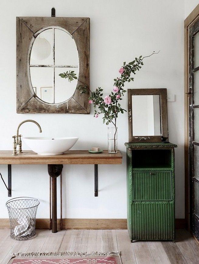 Đồ dùng nội thất cũ nhưng không hề thiếu sức hấp dẫn nhờ các trang trí nhà vệ sinh vintage