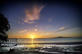 Sunrise on the beach in Auckland, New Zealand | Pikrepo
