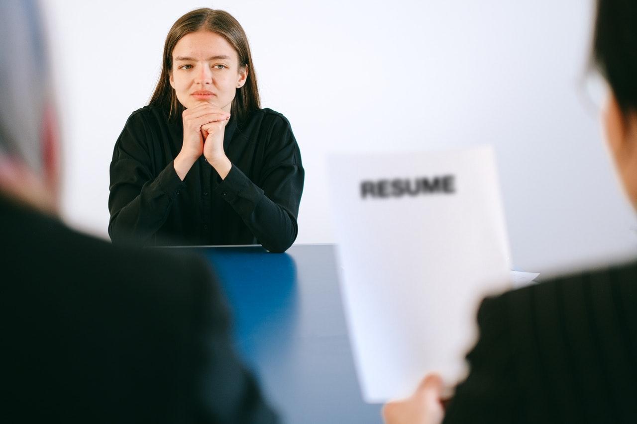 Saber o que falar é essencial para se dar bem na entrevista.