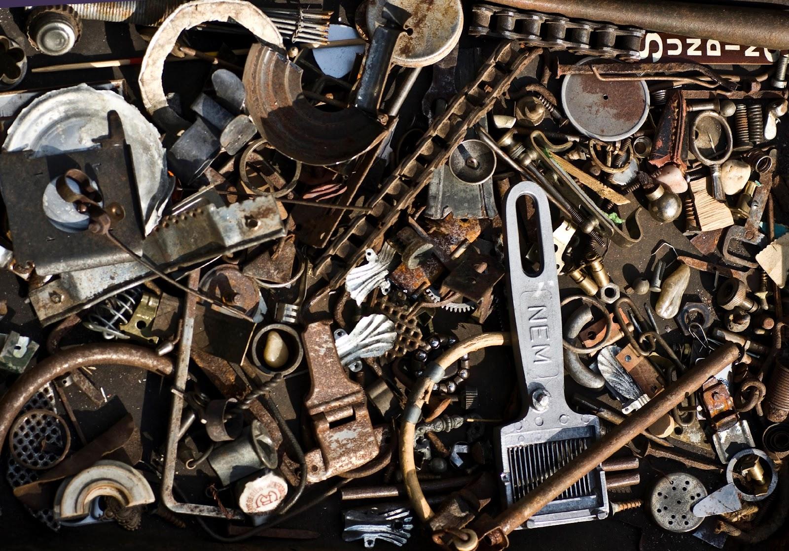 C:\Users\Admin\Desktop\Project PBN\Thu mua Phế Liệu\images\Collection_of_leftover_scrap_metal_items.jpg