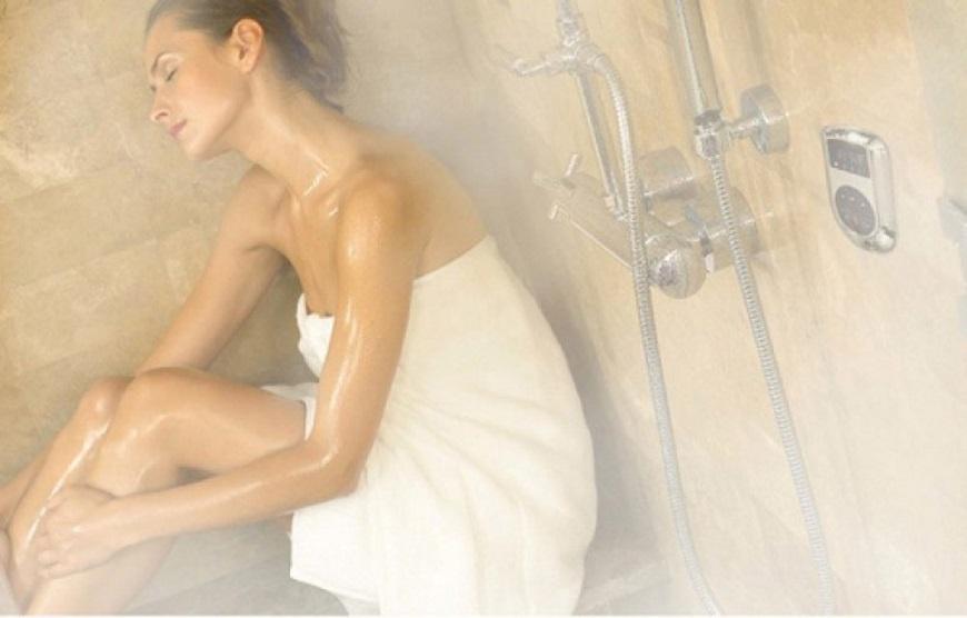Tắm nước nóng kết hợp massage để đạt hiệu quả tốt nhất