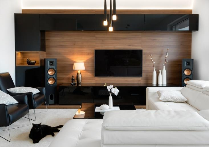 How To Show Off Your New Huge Tv Top Inspirations