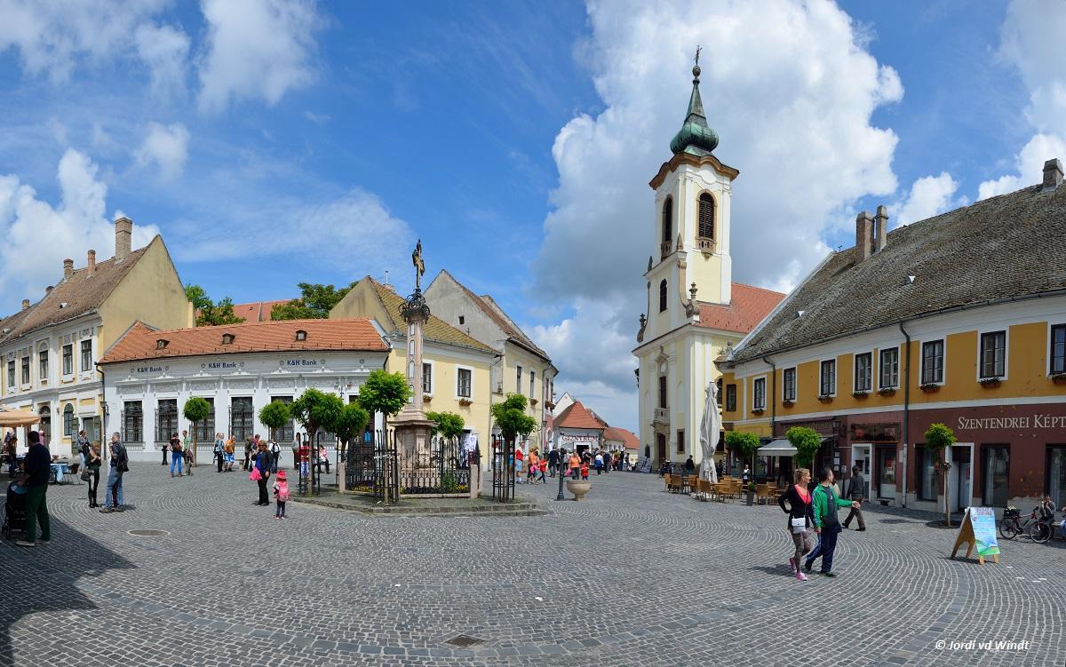 http://jorditravelling.com/wp-content/uploads/2014/06/Fo-Ter-Szentendre.jpg