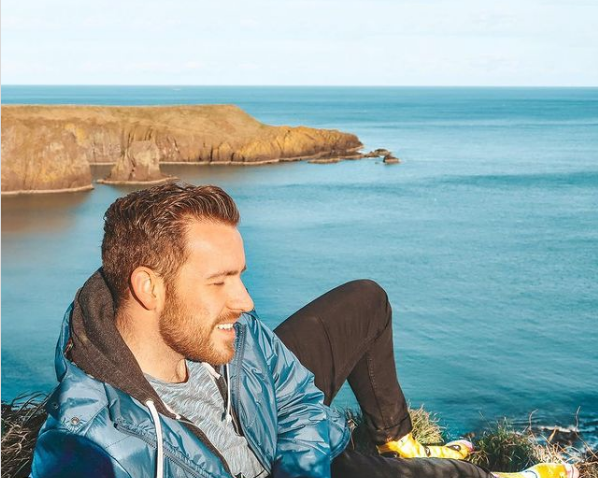 Steven Johnson   Chilling by the Cliffside   Gay Influencers Featured on Afluencer
