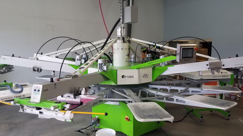 T-shirt design printing machine