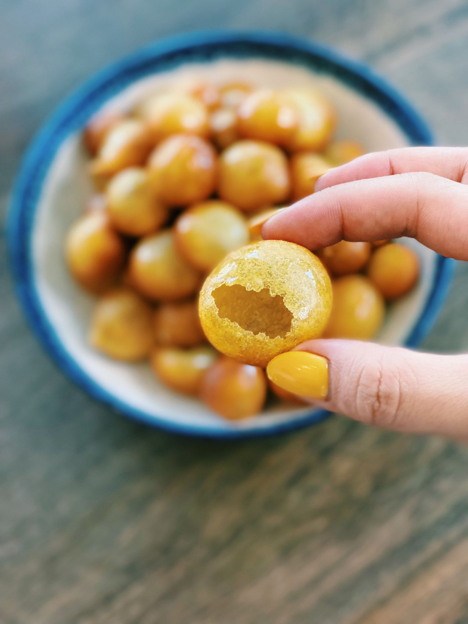 Taiwanese Deep Fried Sweet Potato Balls