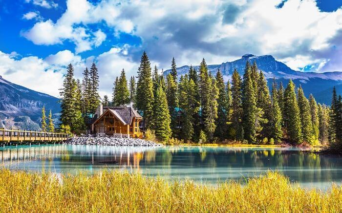 40 Best Places To Visit In Canada (With Photos) For 2021 Vacay!