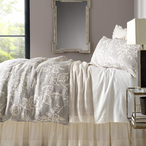 use a washing machine to clean your duvet cover.
