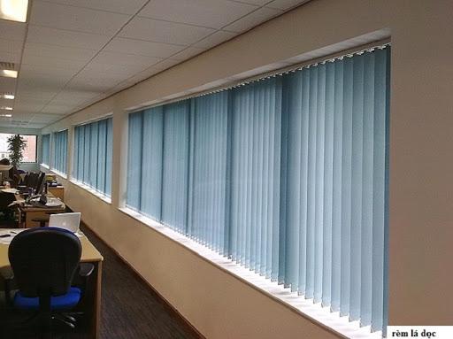 rèm lá dọc cho văn phòng