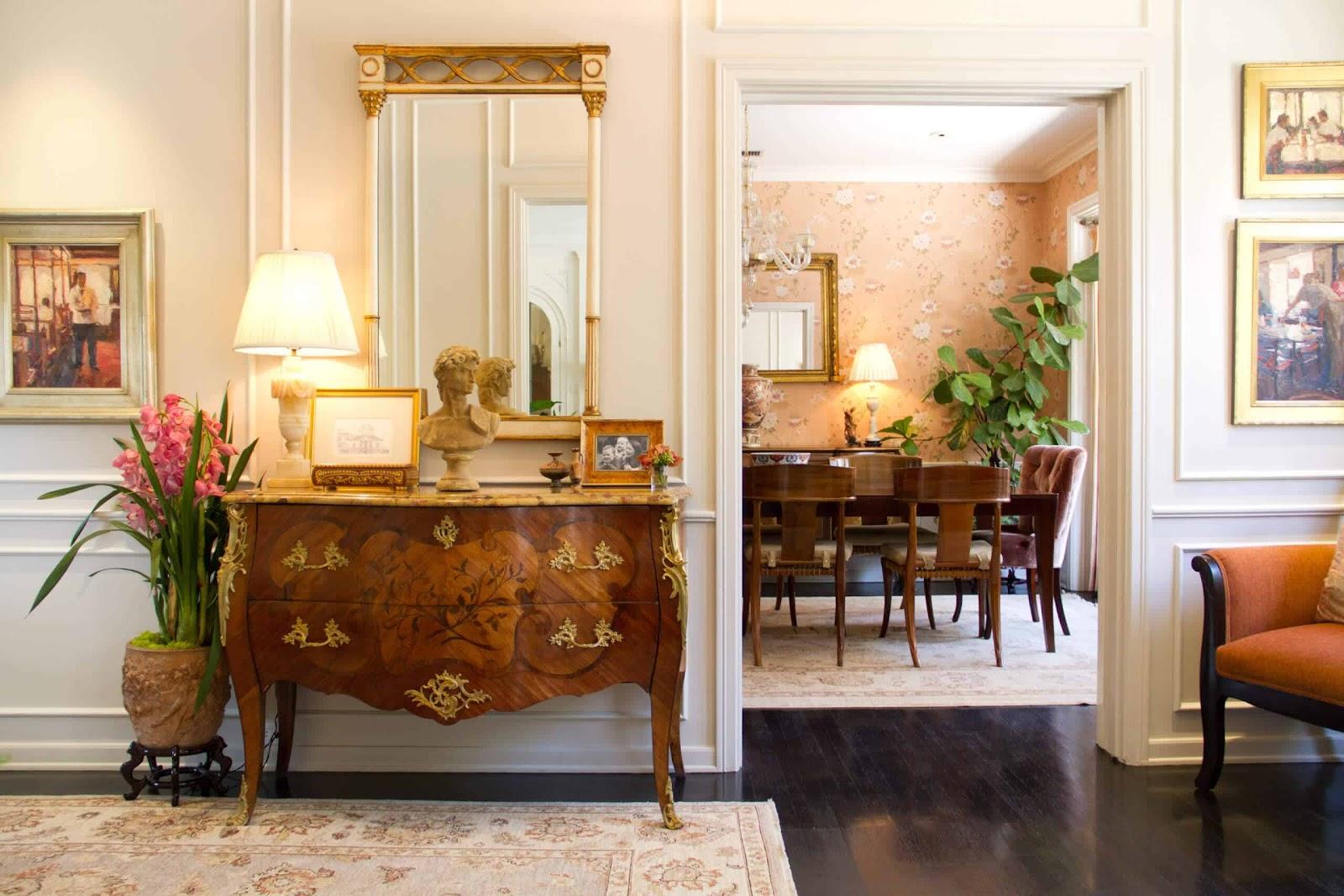 Furnitur antik dalam hunian bergaya vintage - source: nonagon.style