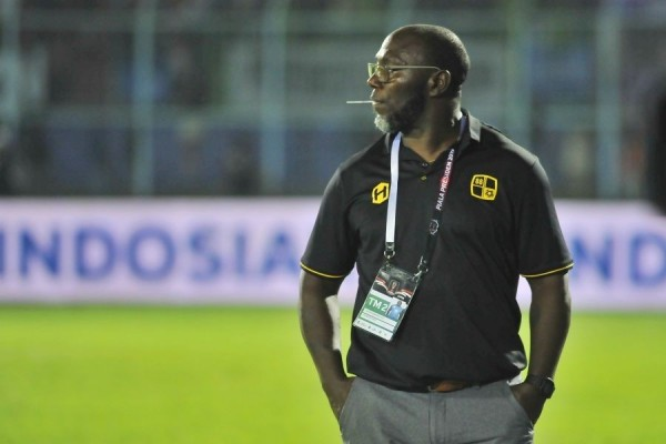 Jacksen F Tiago as the head coach of Indonesian team Barito Putera
