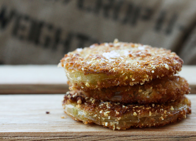 Fried Green Tomato Salad: Loves Food, Loves to Eat