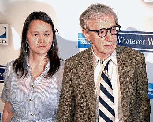 Woody Allen, junto a Soon Yi en el Festival de Cine de Tribeca
