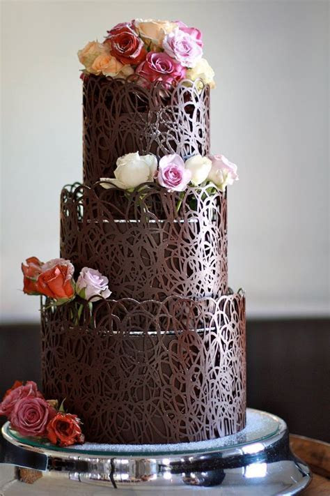 Check out more extreme chocolate wedding cakes here: http