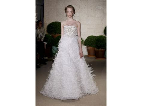 Oscar de la Renta $3,000 Size: 8   Sample Wedding Dresses