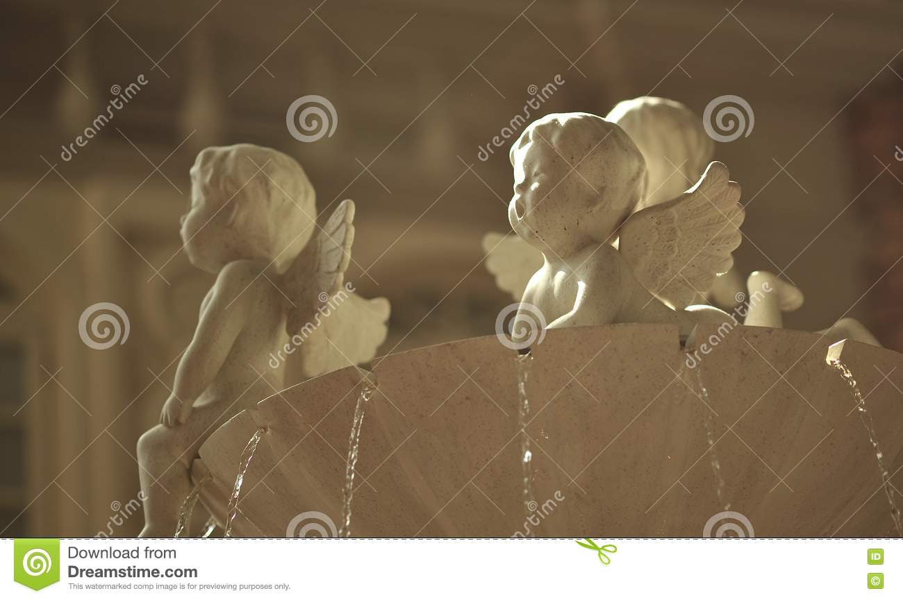 Cupid Statue Fountain Royalty Free Stock Photography - Image: 16893327