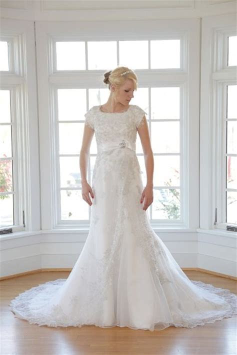 Lourie   Epoch Collection   Chatfields Bridal (St. Louis