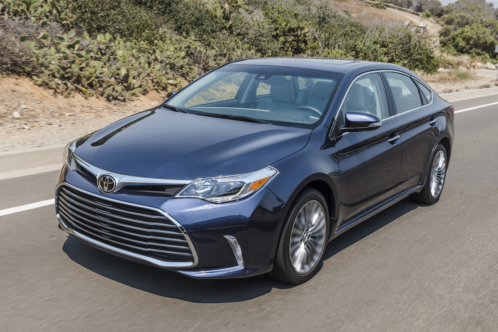 2017 Toyota Avalon Review, Ratings, Specs, Prices, and ...